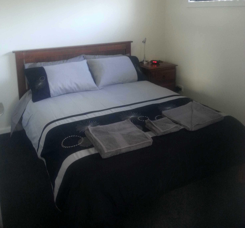 Cabins 3 & 4 Bed 1 .jpg